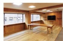 使い方は多種多様!木のぬくもりが溢れるカフェ空間